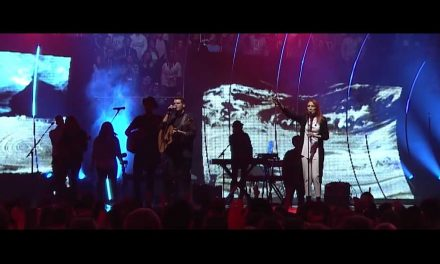 VIDEO: Hillsong Worship – Open Heaven (River Wild)